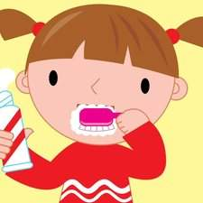 little girl cleaning teeth